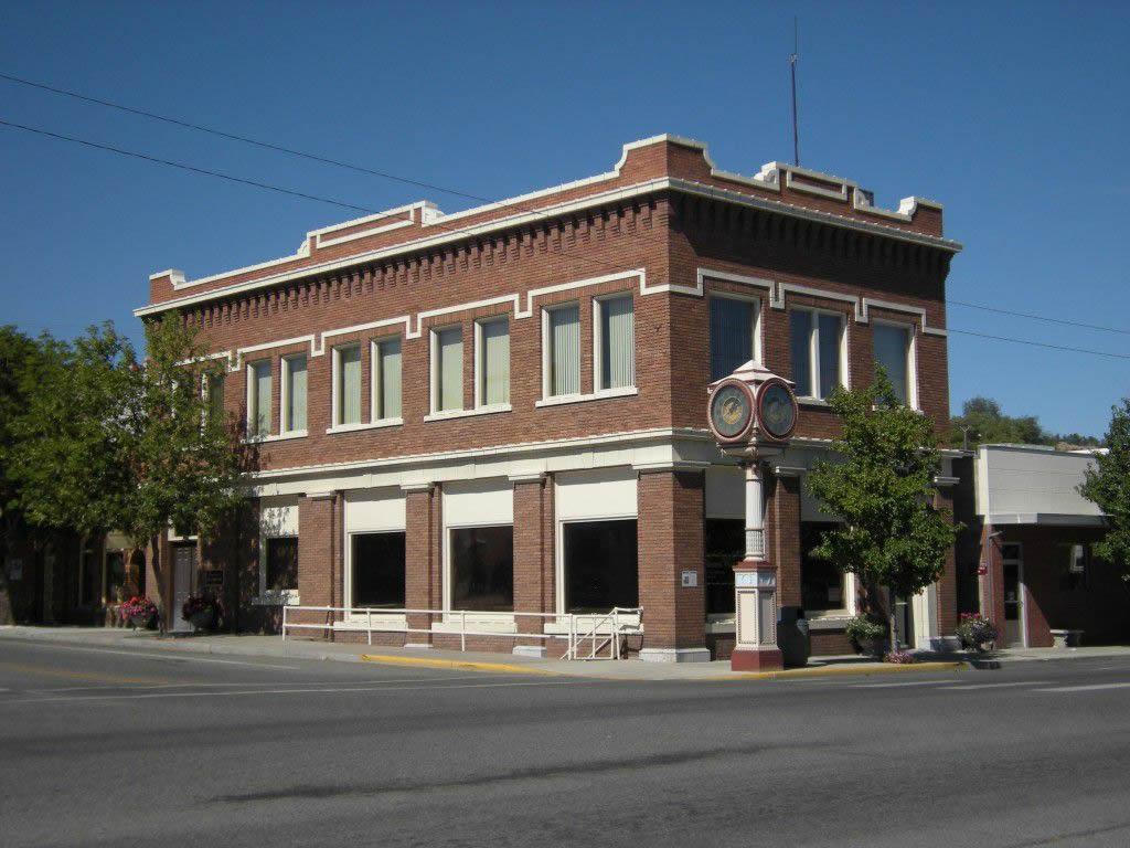 Okanogan,_WA_-_Commercial_Building
