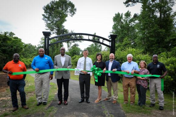 Hattiesburg Cuts Ribbon on Duncan Lake Trail Extension